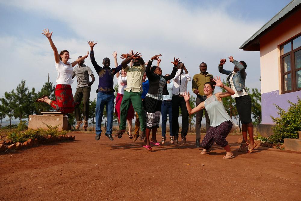 Lehrerinnen und Lehrer Team von Kibwigwa mit Team der Hochschule